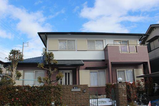 外壁塗装するお客様の家の写真