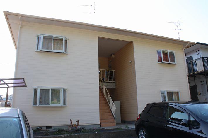 三重県津市南が丘アパート塗装前の写真