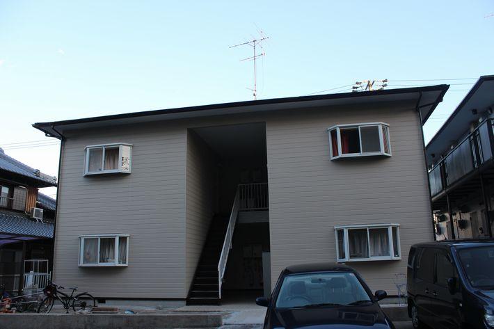 三重県津市南が丘アパート塗装後の写真